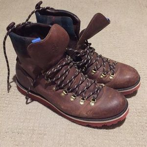 Cole Haan Mens lace up leather boot